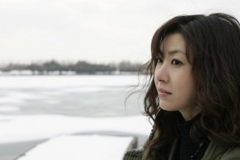korean movie reviews for 2006 the host tazza woman on